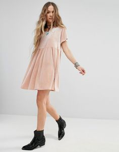 Buy Glamorous T-Shirt Smock Dress In Velvet at ASOS. With free delivery and return options (Ts&Cs apply), online shopping has never been so easy. Get the latest trends with ASOS now. Robes Glamour, The Blonde Salad, Glamorous Dresses, Smock Dress, Smocking, Fall Winter, Cold Shoulder Dress, Girly, Shirts