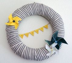 love this wreath for party
