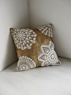 Burlap and Lace - Shabby Chic Pillow. Urban Analog via Etsy. Easy to make with cheap pillow and thrift store doilies for bedding or table runner etc, love it Burlap Projects, Burlap Crafts, Diy Crafts, Doilies Crafts, Lace Doilies, Crochet Doilies, Shabby Chic Pillows, Shabby Chic Decor, Sewing Crafts