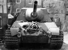 """Sdkfz 186 Jagdpanzer VI """"Jagdtiger"""" is going to put a hole in anything you got! Tiger Ii, Self Propelled Artillery, Tiger Tank, Ww2 Photos, Tank Destroyer, Armored Fighting Vehicle, Military Pictures, Ww2 Tanks, World Of Tanks"""