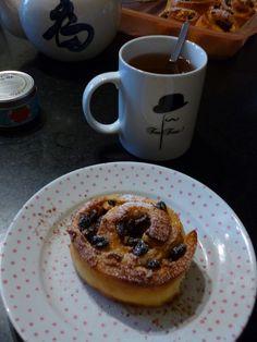 J5 --> A perfect 4-o'clock tea with those chelsea buns!