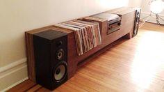 Cush Design Studio maakt het ultieme meubel voor je platenspeler, vinyl's en speakers