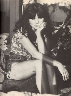 See the latest images for Linda Ronstadt. Listen to Linda Ronstadt tracks for free online and get recommendations on similar music. Linda Ronstadt, Music Love, Rock Music, Woodstock, Emmylou Harris, Pat Benatar, Hippie Man, Blue Bayou, Women Of Rock