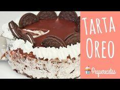 Este pastel o tarta de Oreo es la tarta perfecta: se hace sin horno, es fácil de hacer y está deliciosa gracias a los trocitos de galletas Oreo que lleva.