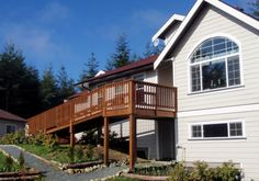 Attractive house with a nice garden on 2 and a half acres in a private, peaceful forest setting close to China beach Provincial Park and Jordan River's surfing sea side.https://www.nomador.com/house-sitting/2432-jordan-river-british-columbia-canada