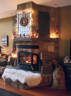 Check out this rustic Christmas Mantle decor with DIY Reindeer Feed Bag