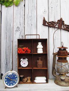 altes Metall Kistchen im Industrielook von Gerne Wieder auf DaWanda.com #industrial #vintage #patina #brocante
