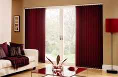 Vertical blinds are window blinds from vertical blinds. Upright blinds are used for window coverings and also lighting controls that go into the room. Blinds Design, Window Design, Floor To Ceiling Windows, Blinds For Windows, Window Blinds, Blinds Curtains, Patio Blinds, Color Borgoña, Colors