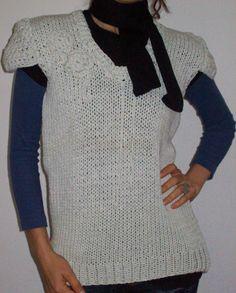 Sweater con flor crochet