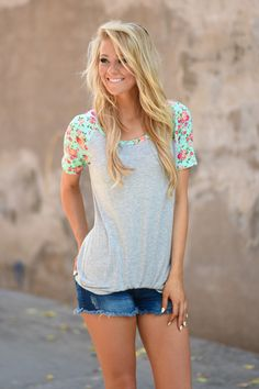 Mint Floral Sleeve Top – The Pulse Boutique