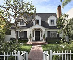 I'm drawn to many different styles of architecture. Let's enjoy the beauty of these 5 southern California exteriors.