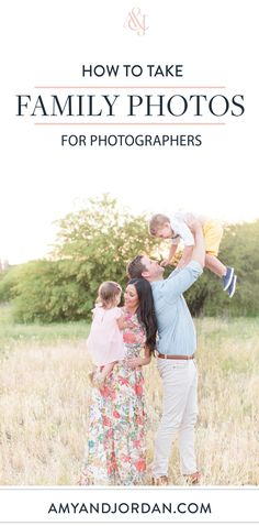 Do you struggle with how to get sharp focus during family and group photo sessions? Here are our top sharp focus photography tips for families and groups! - Focus Tips: How to Take Sharp Family & Group Portraits Portrait Photography Tips, Family Portrait Photography, Photography Basics, Photography Tips For Beginners, Photography Lessons, Photography Backdrops, Photography Business, Photography Tutorials, Creative Photography