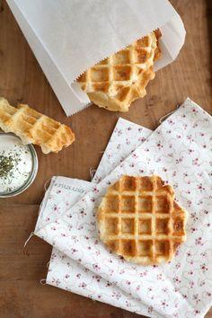 Parmezános gofri - Kifőztük, online gasztromagazin Waffle Iron, Croissant, Breakfast Recipes, Pancakes, Brunch, Food And Drink, Bread, Disney Junior, Waffles