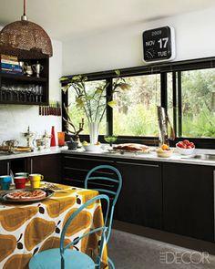 Polo player Nacho Figueras' kitchen from Elle Decor. Kitchen Interior, Interior Design Living Room, Kitchen Design, Interior Decorating, Kitchen Ideas, Kitchen Inspiration, Black Kitchen Cabinets, Black Kitchens, Home Kitchens