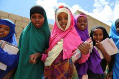 In Somalia, WFP's school meals are helping to bring children back to class, and this is especially important for girls, who have often been expected to stay at home and help with chores. (31 October 2013, Photo: WFP/Laila Ali)