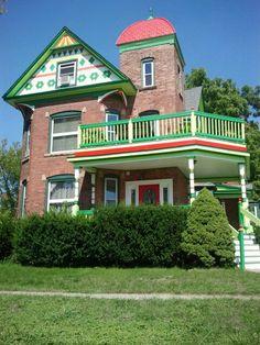 Lapeer, MI. Love creative houses!