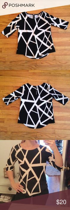 Black and White 3/4 Shirt Black and white abstract line 3/4 sleeve shirt • Nice light but thick feel • 4% spandex for stretchy comfortable fit Tops