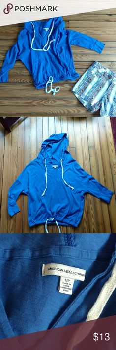 American Eagle Outfitters hooded batwing top American Eagle Outfitters hooded batwing top. Adjustable hood and bottom. American Eagle Outfitters Tops Sweatshirts & Hoodies