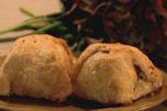 Apple Dumplings - Katie Brown show Apple Recipes, Fall Recipes, Vegan Recipes, Dinner Recipes, Bobbing For Apples, Katie Brown, Apple Dumplings, Vegan Keto, Candy Apples