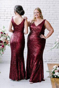 Emerald Bridesmaid Dresses, African Bridesmaid Dresses, Red Bridesmaids, Christmas Bridesmaid Dresses, Disneyland, Try On, Wedding Ideas, Wedding Stuff, Red Wedding