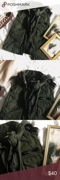 [URBAN OUTFITTERS] MILITARY STYLE VEST I'm great condition 🤗 and great for upcoming fall 🍂🌿 Urban Outfitters Jackets & Coats Vests