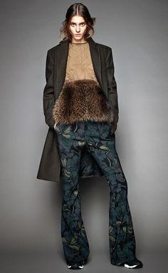 Marni Pre-Fall 2015 Fashion Show Fashion Week, Fashion Show, Womens Fashion, Fashion Design, Fur Waistcoat, Marni, Catwalks, Ideias Fashion, Ready To Wear