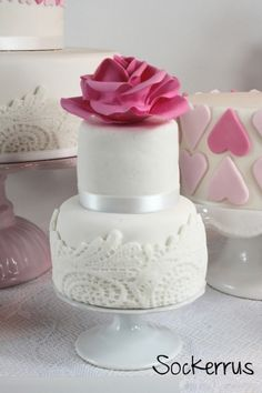 Romantic mini cake By Sockerrus on CakeCentral.com