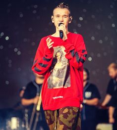 Love Twins, Bars And Melody, Dream Boyfriend, Miraculous Wallpaper, Best Fan, My Fb, Christmas Sweaters, Two By Two, Singer