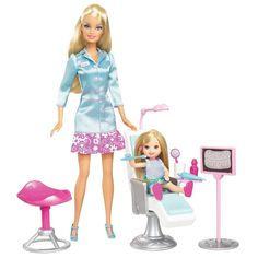 Barbie I Can Be Dentist Playset. Play out the role of dentist! Features gargling and spitting sound. Includes dentist doll, chair, stool, x-ray stand. Mattel Barbie, Baby Barbie, Barbie Kelly, Babies R Us, Barbie Accessories, Barbie Collection, Barbie Friends, Barbie World, Barbie Clothes