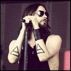 "No te pierdas a THIRTY SECONDS TO MARS junto a JARED LETO en ""Love Lust Faith + Dreams"" el viernes 2 de mayo en el Coliseo de Puerto Rico.¿Ya tienes tu boleto? Detalles en ticketpop.com  #thirtysecondstomars #30seconds #jaredleto #LoveLustFaithDreams #ticketpop #cityofangels"