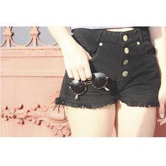 Basic Essentials!  Chegaram vários modelos incríveis de shorts no site, confira!  #fashion #love #moda #itgirl #shoponline #nomadsoul  #lojabySiS  www.lojabysis.com.br