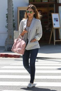 Jessica Alba Photos Photos - 'Sin City' actress Jessica Alba stops by a nail salon in Brentwood, California for a mani-pedi on June 4, 2014. Jessica is wearing a gold necklace with an emblem that spells out 'Honest.' - 'Honest' Jessica Alba Visits The Nail Salon