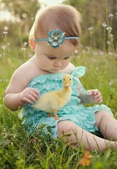 Easter spring baby duck baby ducks, animals for kids, live animals, baby . So Cute Baby, Baby Kind, Baby Love, Cute Kids, Cute Babies, Precious Children, Beautiful Children, Beautiful Babies, Simply Beautiful
