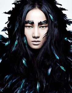 black + iridescent feathers // Liu Lijie by Charles Guo for Numero China September 2012 Male Makeup, Goth Makeup, Portrait Photography, Fashion Photography, Creepy Photography, White Photography, Foto Fashion, Glamour, Black Feathers