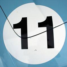 racing number on car hood