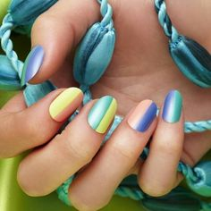 When you can't decide on a color perhaps putting everything would be just ideal. This inspiration from @teamptopcoat is just awesome. #colorblocking #colorblock #colorblockingnails http://ift.tt/2bJtInk