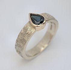 Australian sapphire gold ring