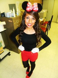 Here is Minnie Mouse Outfit Collection for you. Minnie Mouse Outfit sexy minnie mouse costume why not impress your boyfriend o. Homemade Minnie Mouse Costume, Costume Minnie Mouse, Minnie Mouse Kostüm, Disneyland Halloween, Mickey Halloween, Disneyland Paris, Cute Halloween Outfits, Diy Halloween Costumes, Costume Ideas