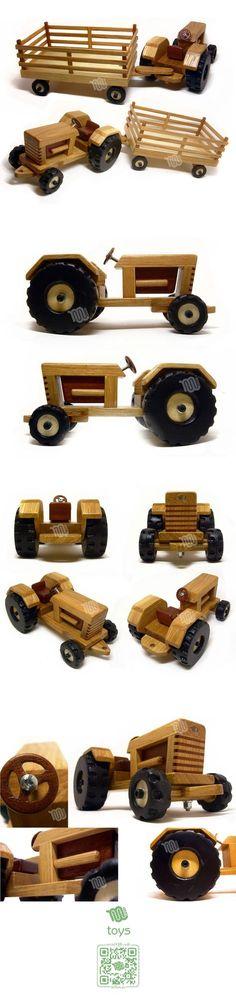 Trator de madeira.