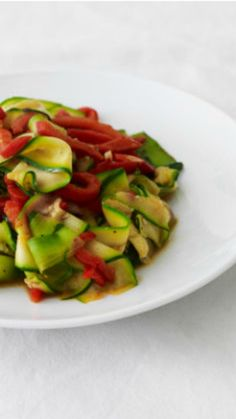 Zucchini and Red Bell Pepper Sauté. A healthy recipe for chol hamoed.