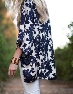 Toss a summer kimono jacket over skinny jeans.