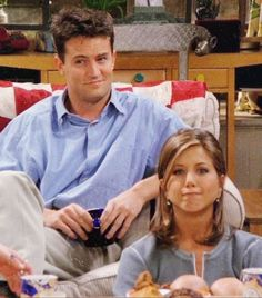 Best Picture For jennifer aniston face For Your Taste You are Serie Friends, Friends Cast, Friends Moments, Friends Forever, Friends Season, Phoebe Buffay, Best Series, Best Tv Shows, Best Shows Ever
