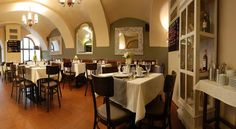 Booking.com: Hotel Rango , Plzeň, Česko Table Settings, Furniture, Design, Home Decor, Decoration Home, Room Decor, Place Settings, Home Furnishings