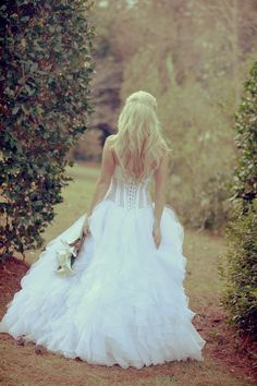 Bridal Portrait....poofy dress but love the setting