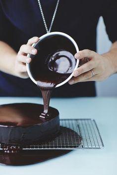Mirror glaze (w/ cocoa powder and gelatin)