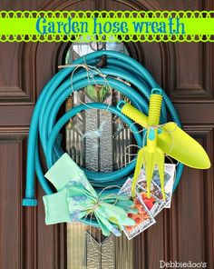 How to make your own garden hose wreath - Debbiedoo's