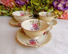 3 Beautiful Vintage Hutschenreuther Porcelain Cups & Saucers ~ Flowers ~ Gold #Hutschenreuther