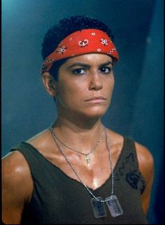 Jenette Goldstein as Pvt. Vazquez in Aliens Alien Films, Aliens Movie, Alien 2, Alien Planet, Conquest Of Paradise, Alien Vs Predator, Aliens 1986, Aliens Colonial Marines, Man In Black