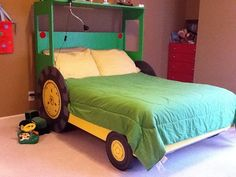 Tractor bed, can modify boys beds to this design in a single bed Bunk Beds Boys, Kid Beds, Cool Beds For Boys, Woodland Theme Bedroom, Playhouse Bed, Mid Sleeper Bed, Bed Images, Bed Slats, Boy Decor