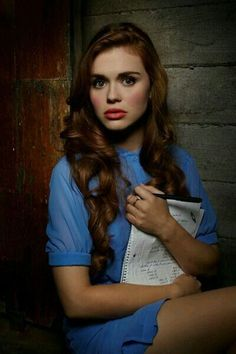 Pin for Later: Almost None of the Teen Wolf Cast Is High-School Age Lydia Martin (Holland Roden) Lydia's Age: 18 Roden's Age: 29 Lydia Teen Wolf, Teen Wolf Cast, Malia Tate, Scott Mccall, Derek Hale, Lydia Martin Outfits, Lydia Martin Hair, Wolf Character, Estilo Preppy